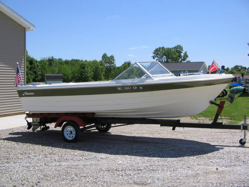 Vintage Fiberglass Boat 18